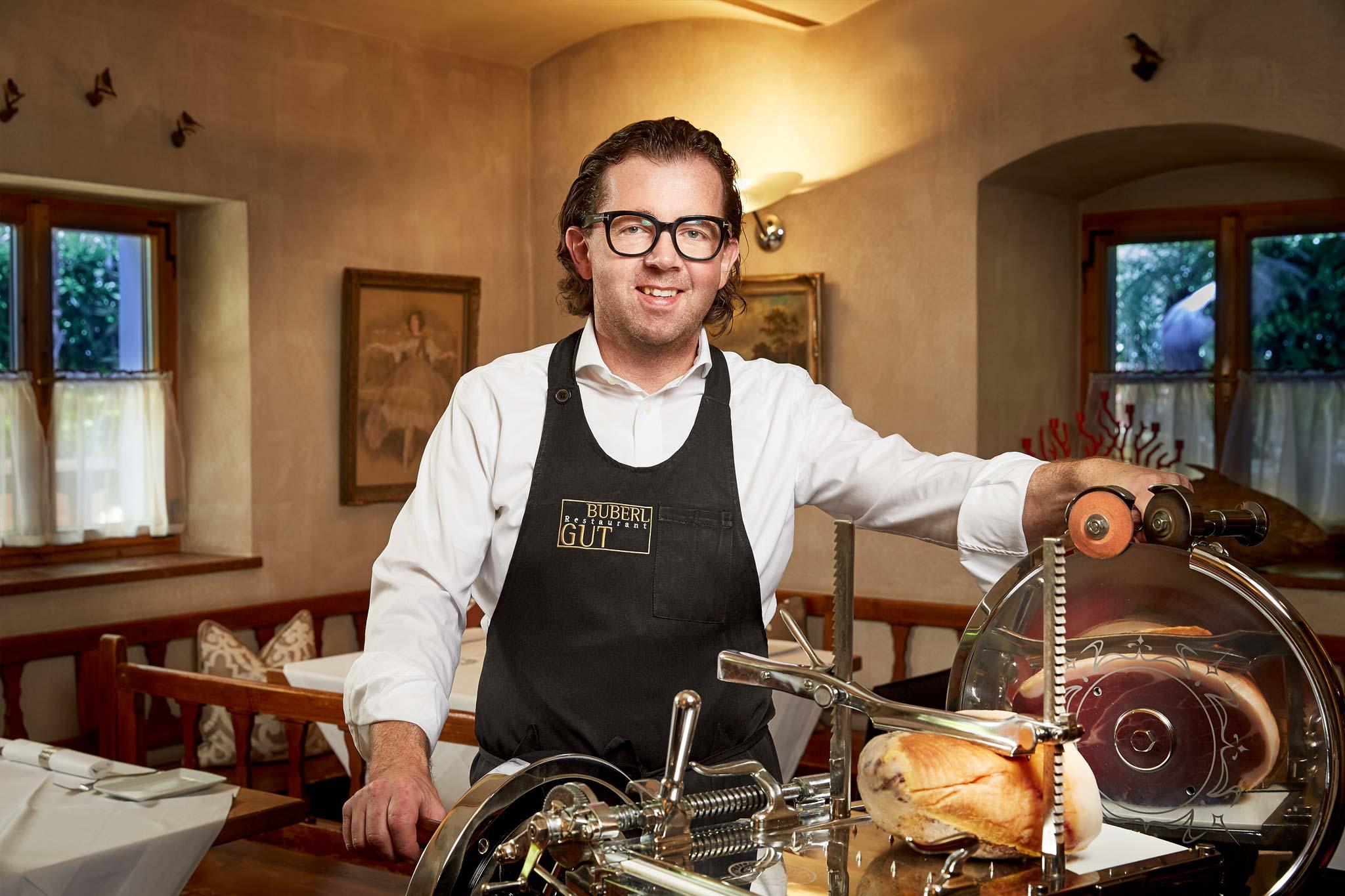 zum-buberlgut-restaurant-herr-bacher